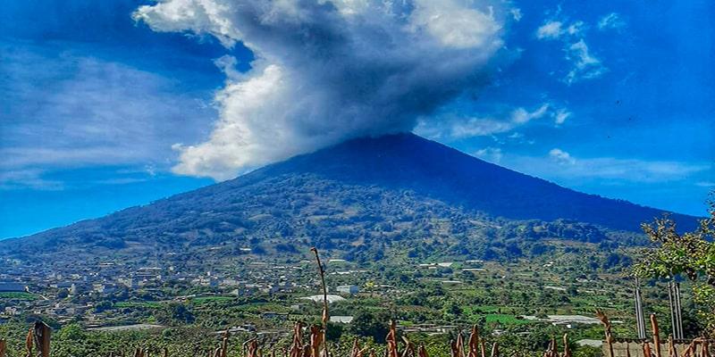 Municipio de San Juan Alotenango, volcán de fuego - instagram - @rayner14_