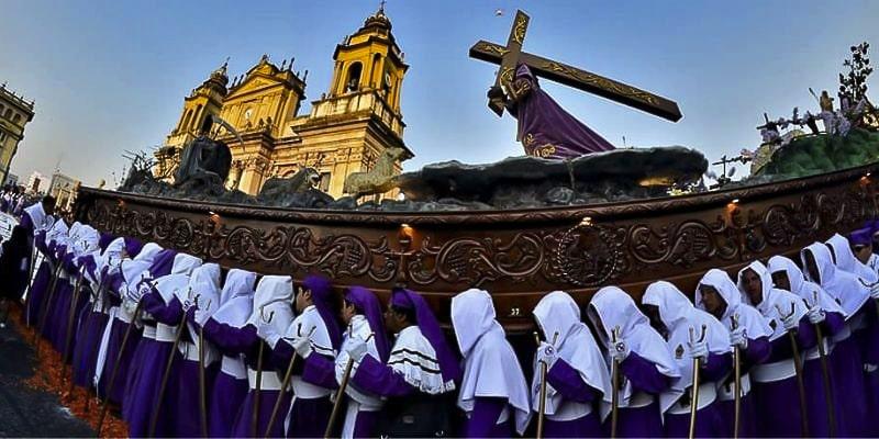 Por qué la Semana Santa cambia de fecha en Guatemala, procesión - Foto Procesiones de Guatemala-2