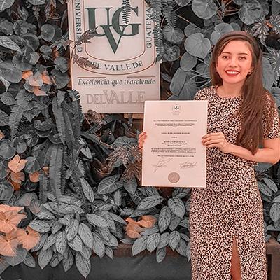 Sello en línea para títulos universitarios en Guatemala - Foto IG @alexiadenebh