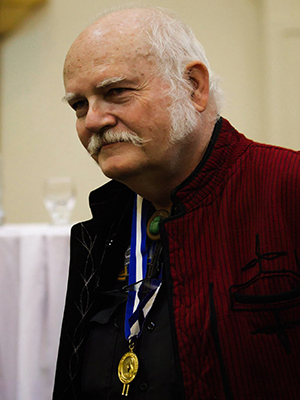 Descripción de foto - Doctor Jack Schuster recibiendo la medalla de Ciencia y Tecnología en 2015. - Crédito de foto - Oscar de León