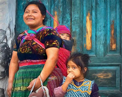 Descripción de foto - Mujer y niños de San Andrés Xecul . - Descripción de foto - @artypixall - instagram