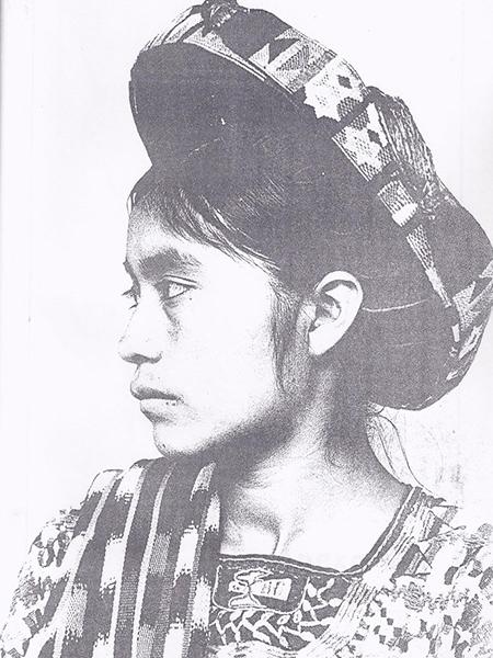 Descripción de foto - mujer vestida de traje indígena de perfil, conocica como Concepción Ramírez Mendoza- Crédito de foto - Círculo Numistmático de Occidente