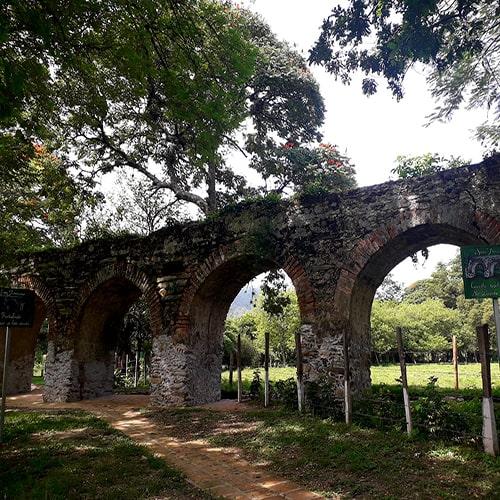 Descripción de foto - Arcos de San Jerónimo, Baja Verapaz, durante la tarde. - Crédito de foto - Salama Baja Verapaz Salama