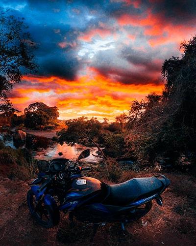 Descripción de la foto para personas con discapacidad visual- Vista de un río durante el atardecer en el departamento de Escuintla. - Crédito de foto - abnerjajaja - Instagram