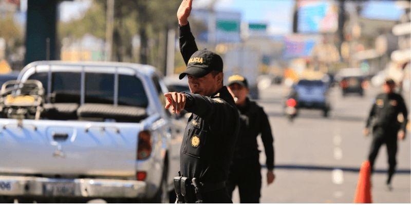 Retención y consignación de documentos de tránsito y vehículo en Guatemala