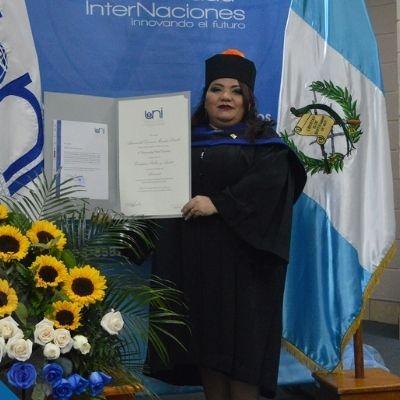 Significado de la toga universitaria en Guatemala 6