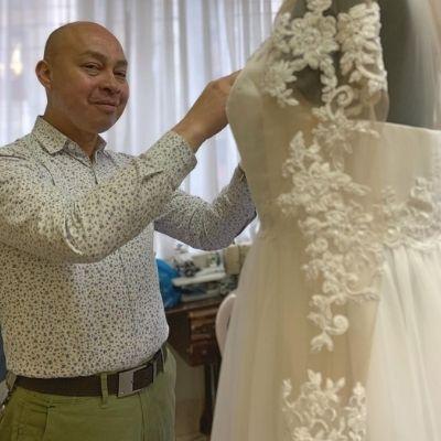 Biografía de José Víctor López, diseñador de alta costura guatemalteco3