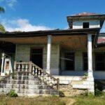 La casa abandonada del expresidente Lázaro Chacón en El Progreso